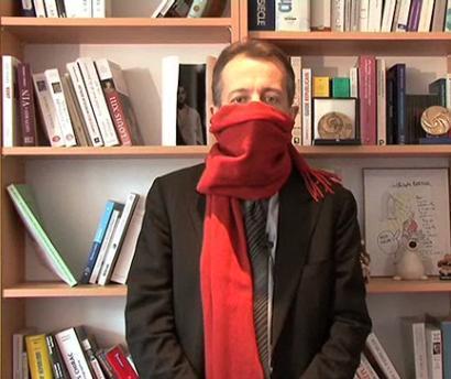 vraie affaire pas cher pour réduction prix bas Strip-tease : Ch. Barbier dit tout sur son écharpe rouge ...