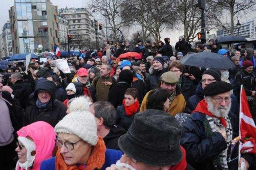 produits chauds vente chaude pas cher vraie affaire Réponse d'un « populiste » aux foulards rouges à parapluies ...