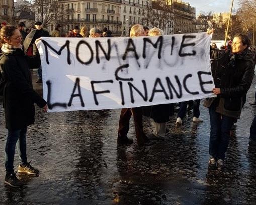 disponible enfant acheter maintenant P5 : 10) Le GRAND BIDE des foulards rouges et de Macron ...